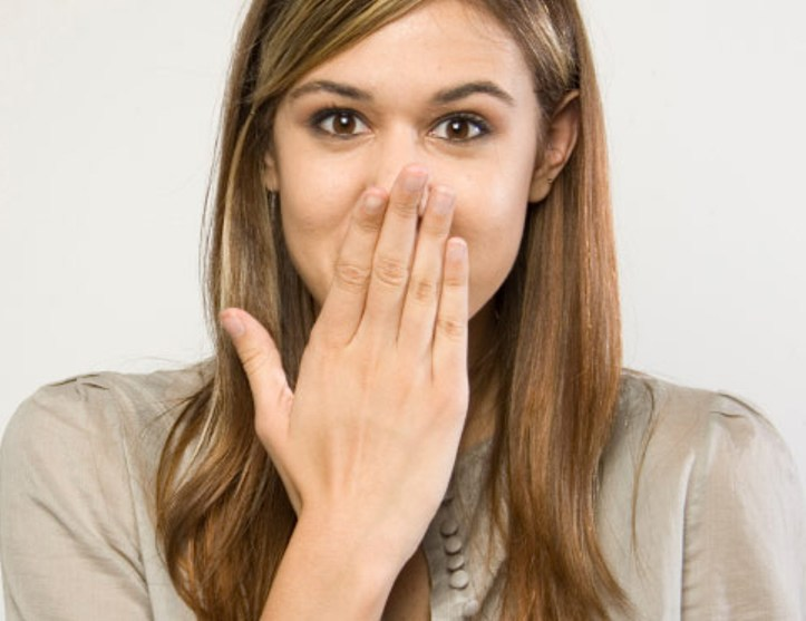 10-efficient-ways-to-get-rid-of-hiccups-in-less-than-a-minute-featured