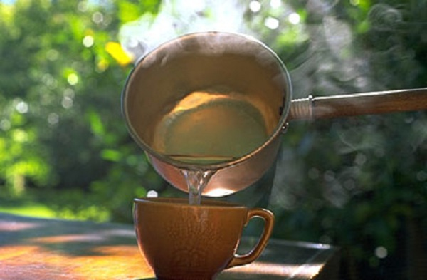 here-is-why-you-should-drink-warm-water-on-an-empty-stomach-every-morning